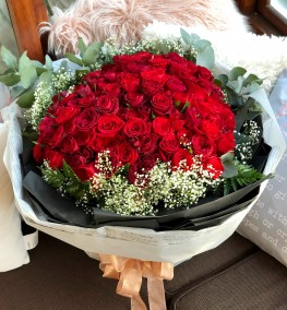 99 Grand Red Roses